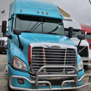 Semi-truck-2014-Freighliner